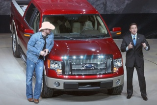 2009 Ford F150 versus Toyota Tundra